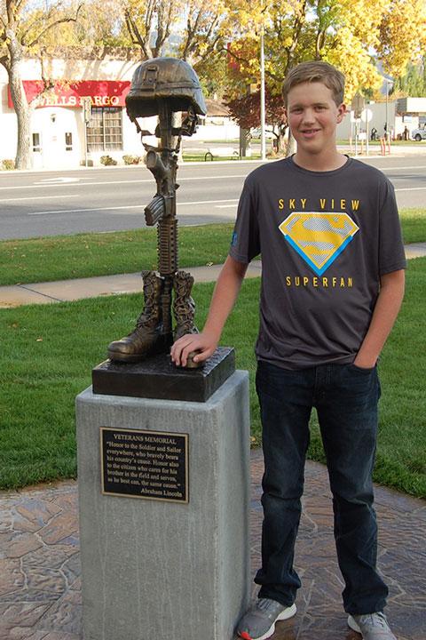 Jon-Cheatham-and-Bronze-Memorial-Battlefield-Cross